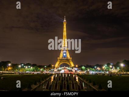 Illuminated Eiffel Tower at night, Trocadero, tour Eiffel, Paris, Ile-de-France, France - Stock Photo