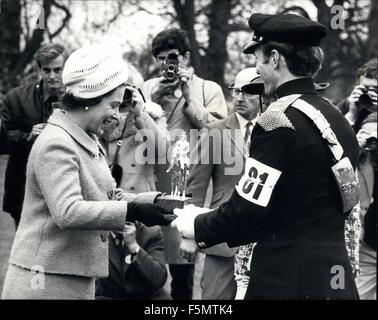 1954 - Her Majesty The Queen presents the winners trophy to Mark Phillips - her future son-in-law?? For the second - Stock Photo