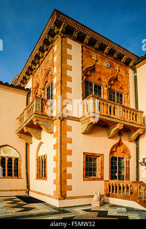 Ca'd'Zan, the Venetian style mansion of John and Mable Ringling, on the grounds of the Ringling Museum of Art in - Stock Photo