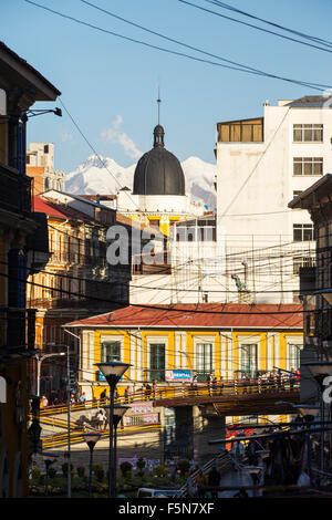 The peak of Illimani (6348 metres) from La Paz, Bolivia. La Paz and El Alto are critically short of water and will - Stock Photo