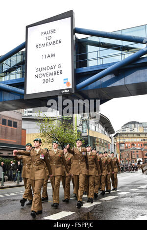 Birmingham, UK. 08th Nov, 2015. Remembrance Sunday: Soldiers march down Birmingham's Broad St. towards Centenary - Stock Photo