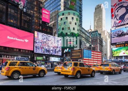 Times Square, midtown Manhattan, New York, USA - Stock Photo