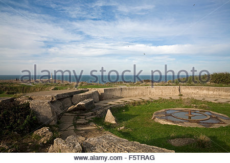 World War Two German gun position at Pointe du Hoc, a promontory between Utah Beach and Omaha Beach, Normandy, France. - Stock Photo