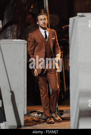 Ryan Gosling sports a vintage brown suit for a scene in 'La La ...
