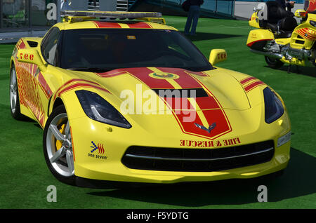 Dubai, UAE. 10th November, 2015. Hot Rod: Dubai Civil Defence are using a bright yellow V8-powered Chevrolet Corvette - Stock Photo