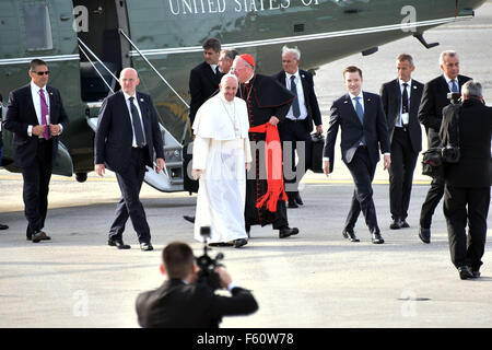 Pope Francis leaves New York City after his visit via John F. Kennedy Airport (JFK) to fly onto Philadelphia  Featuring: - Stock Photo