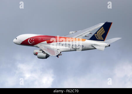 London Heathrow, United Kingdom - August 28, 2015: A Singapore Airlines Airbus A380 with the registration 9V-SKJ - Stock Photo