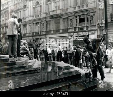 1968 - IS LONDON BECOMING SHAMEFUL? Piccadilly, Green Park, Leicester Square - places for London to be proud of - Stock Photo