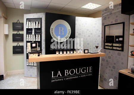 La Bougie perfume shop in Kinsale - Stock Photo