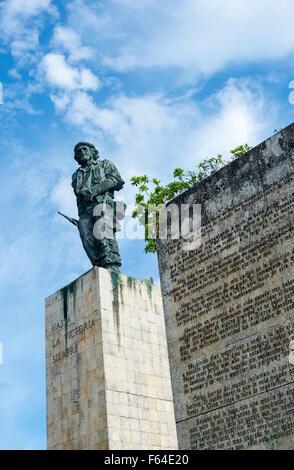 Statue of Che Guevara at his Mausoleum in Santa Clara, Cuba - Stock Photo