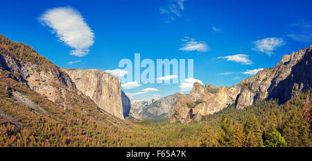 Yosemite Valley from the tunnel view, Yosemite National Park, California, USA. - Stock Photo