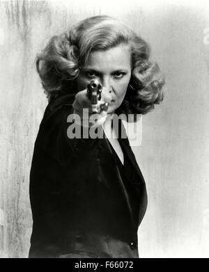 Gloria Year : 1980 USA Director : John Cassavetes Gena Rowlands - Stock Photo