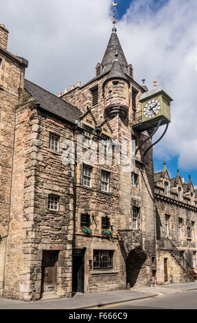 The 1591 toll booth clock on the old prison in Canongate, on the Royal Mile, In Edinburgh, Scotland - Stock Photo