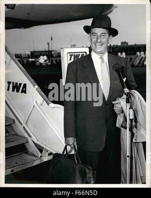 1952 - American statesman Adlai E. Stevenson. 1952 Democratic presidential candidate, leaves for Rome on trans world - Stock Photo