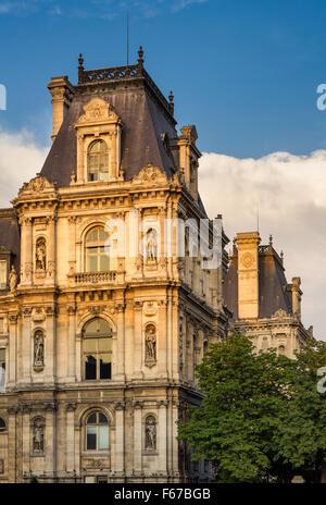 Detail of Renaissance Revival Paris City Hall facade before sunset. Statues recognize historically important Parisians. - Stock Photo