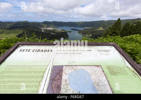 Midadouro Vista do Rei, showing the twin lakes of the Lagoa das Sete Cidad, Ponta Delgada, São Miguel, Azores, Portugal - Stock Photo