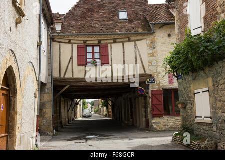 Back-streets in Bretenoux, Dordogne, France, junction between Rue du Manoir de Cere and Rue de la Guierle - Stock Photo