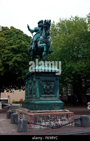 KING WILLIAM II OPPOSITE THE ROYAL PALACE (PALEIS) NOORDEINDE - Stock Photo