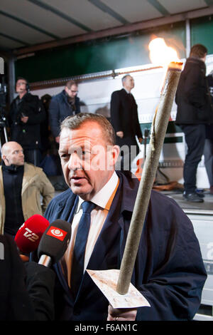 Copenhagen, Denmark. 15th November, 2015. Danish PM, Lars Loekke Rasmussen, speaks to the media during the Copenhagen - Stock Photo