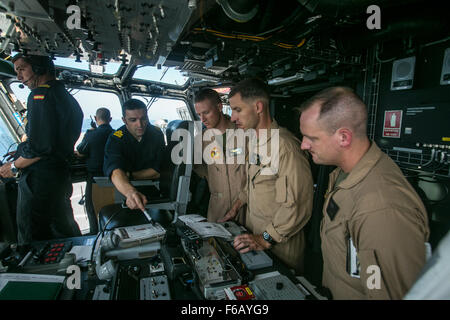 U.S. Marine pilots with Special-Purpose Marine Air-Ground Task Force Crisis Response-Africa, coordinate air movements - Stock Photo