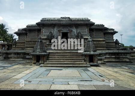 Intricate artwork at ancient hindu temple in Karnataka - Stock Photo