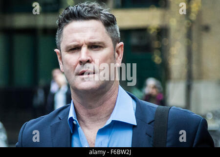 London, UK. 16th November, 2015. Cricketer Chris Cairns arrives at Southwark Crown Court to continue his trial on - Stock Photo