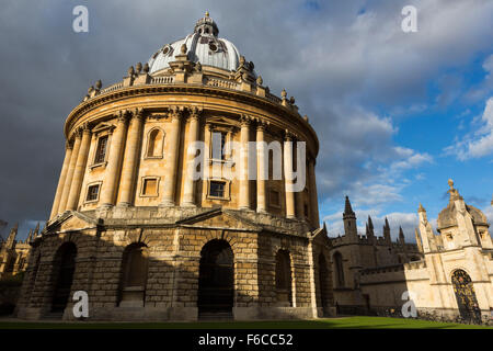 Radcliffe camera in the sun, Oxford, UK. - Stock Photo