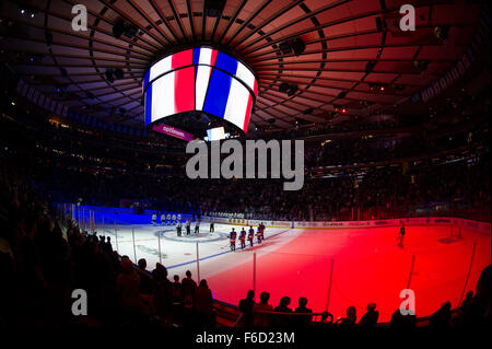 Manhattan, New York, USA. 15th Nov, 2015. A general view of Madison Square Garden paying tribute to the victims - Stock Photo