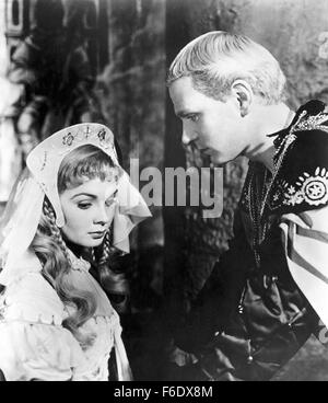 RELEASED: May 4, 1948 - Original Film Title: Hamlet. PICTURED: LAURENCE OLIVIER as Hamlet and JEAN SIMMONS as Ophelia. - Stock Photo