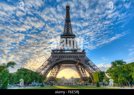 Evening mood, Eiffel Tower, Champ de Mars, Paris, Ile-de-France, France - Stock Photo