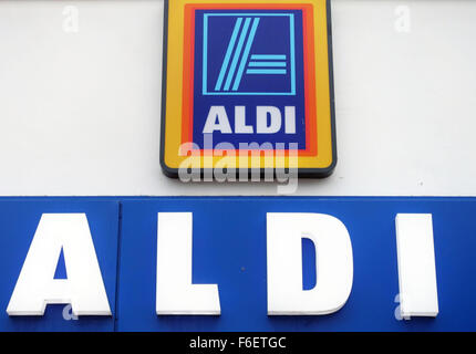 Sign On Aldi Supermarket London Showing Stores Opening Hours Stock