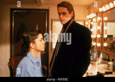 RELEASE DATE: Sep 08, 1988. MOVIE TITLE: Dead Ringers. STUDIO: Morgan Creek Productions. PLOT: The Mantle brothers - Stock Photo
