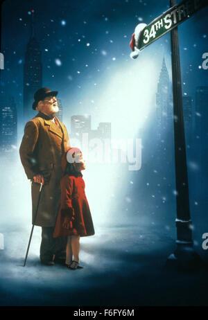 RELEASE DATE: November 18, 1994. MOVIE TITLE: Miracle on 34th Street. STUDIO: Twentieth Century-Fox Film Corporation. - Stock Photo