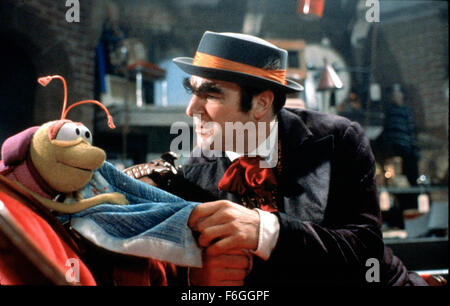 Oct 01, 1999; Hollywood, CA, USA; Mandy Patinkin and his partner Bug in 1999 movie 'The Adventures of Elmo In Grouchland' - Stock Photo