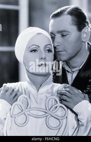 1934, Film Title: PAINTED VEIL, Director: RICHARD BOLESLAWSKI, Studio: MGM, Pictured: RICHARD BOLESLAWSKI, GRETA - Stock Photo