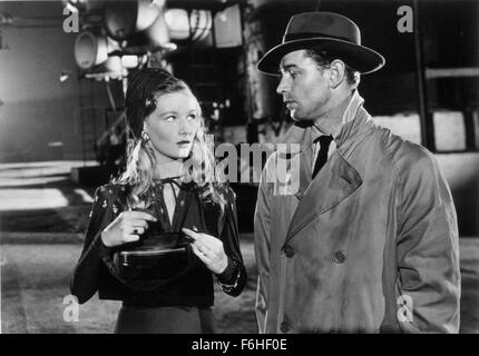 1942, Film Title: THIS GUN FOR HIRE, Director: FRANK TUTTLE, Studio: PARAMOUNT, Pictured: ALAN LADD, VERONICA LAKE. - Stock Photo