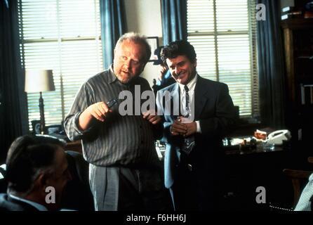 1992, Film Title: MY COUSIN VINNY, Director: JONATHAN LYNN, Studio: FOX, Pictured: JONATHAN LYNN. (Credit Image: - Stock Photo