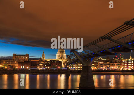 Red sky over St. Paul's cathedral, London, England - Stock Photo