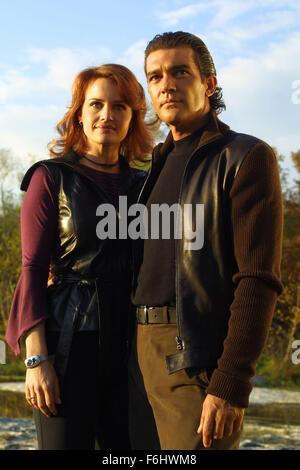 Jul 23, 2002; Hollywood, CA, USA; (L-R) CARLA GUGINO and ANTONIO BANDERAS star in 'Spy Kids 2: The Island of Lost - Stock Photo