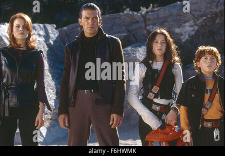 Jul 23, 2002; Hollywood, CA, USA; (L-R) CARLA GUGINO, ANTONIO BANDERAS, ALEXA VEGA and DARYL SABARA star in 'Spy - Stock Photo