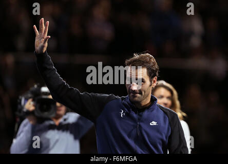 London, UK. 17th Nov, 2015. Roger Federer of Switzerland waves after the match against Novak Djokovic of Serbia - Stock Photo