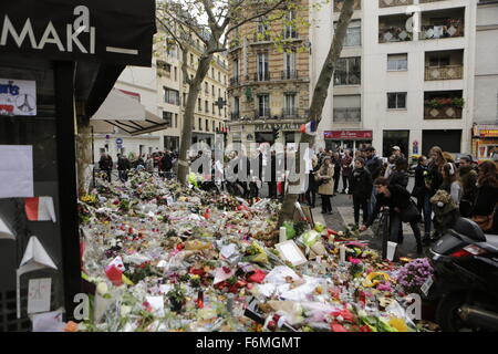 Paris, France. 17th Nov, 2015. Floral tributes have been placed at the memorial outside the restaurant La Belle - Stock Photo