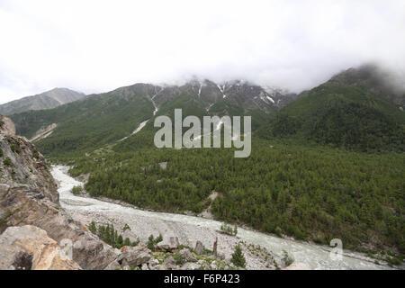 SPITI VALLEY - Views of Chitkul village on way to Rakchham Village in Sangla and Rakchham valley Himachal Pradesh - Stock Photo