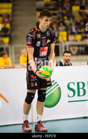 Lodz, Poland. 18th November, 2015. Klemen Cebulj of Cucine Lube Civitanova pictured during the game against PGE - Stock Photo