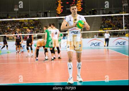 Lodz, Poland. 18th November, 2015. Mariusz Wlazly of PGE Skra Belchatów pictured during the game against Cucine - Stock Photo