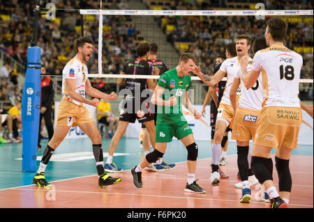 Lodz, Poland. 18th November, 2015. Team PGE Skra Belchatów pictured during the game against Cucine Lube Civitanova - Stock Photo