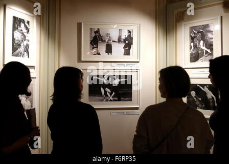 Moscow, Russia. 19th Nov, 2015. People attend an exhibition marking the 90th birth anniversary of Russian ballet - Stock Photo