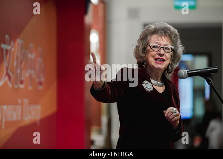 Moscow, Russia. 19th Nov, 2015. Russian writer Irina Zakharova explains symbolism of Chinese folklore in Chinese - Stock Photo