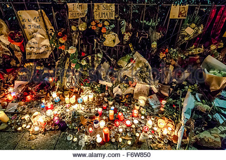 Paris, France. 18th November, 2015. Paris, le Bataclan. French tributes to the victims of the terrorist attacks - Stock Photo