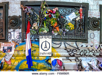Paris, France. 18th November, 2015. Paris, place de la Republique. French tributes to the victims of the terrorist - Stock Photo
